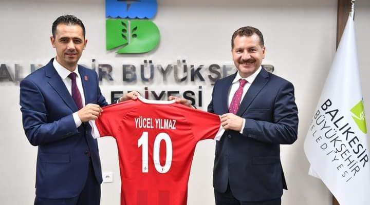 Yücel Yılmaz'dan Balıkesirspor'a destek