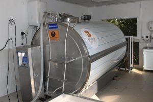 BBB'den Gönenli üreticiye süt tankı