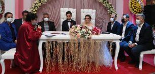 AK Parti'yi buluşturan düğün